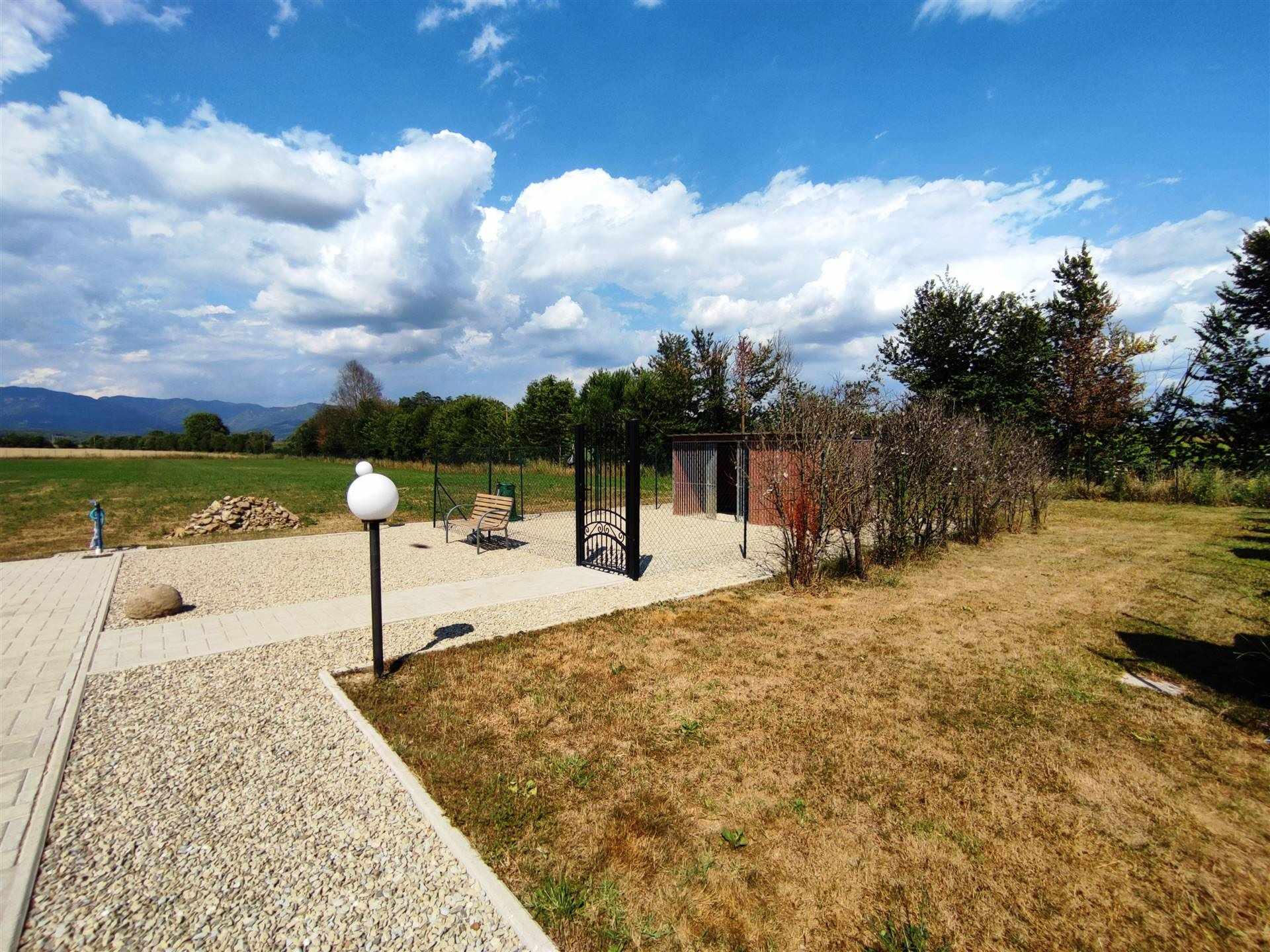 giardino e piazzale