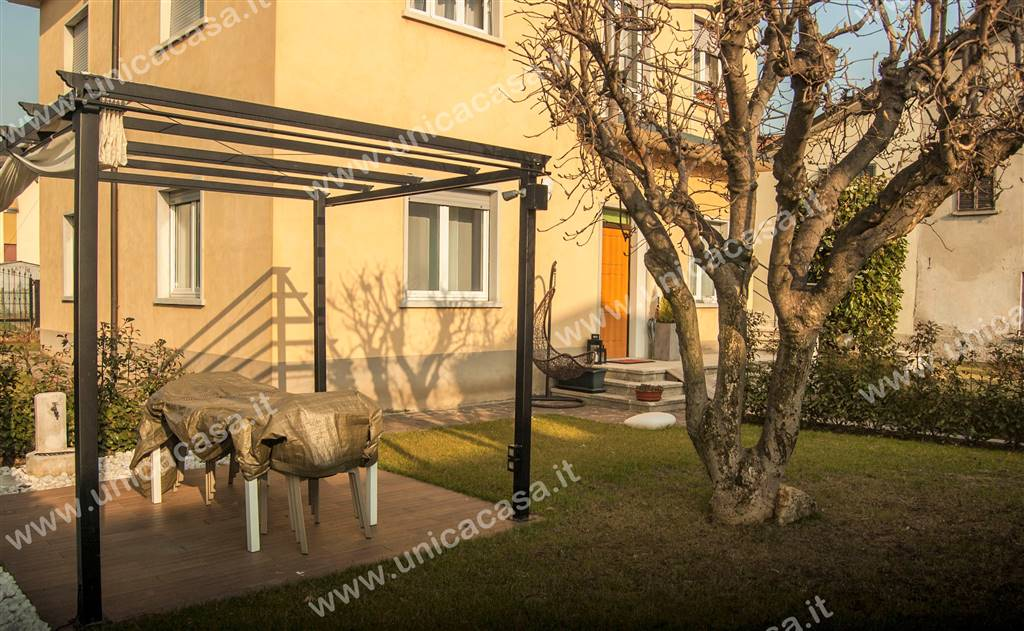 Appartamento indipendente in Via Ruspini, Carducci, Bergamo