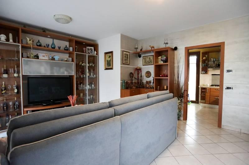 Villa a schiera, Trezzano Rosa