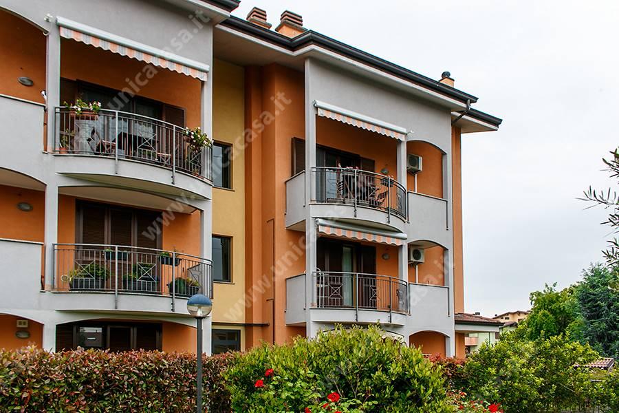 Bilocale in Via Eugenio Montale 6/a, Roncello