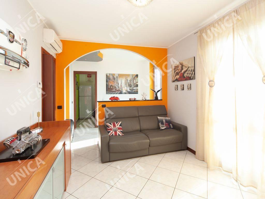 Appartamento in vendita a Roncello, 3 locali, prezzo € 244.000 | CambioCasa.it