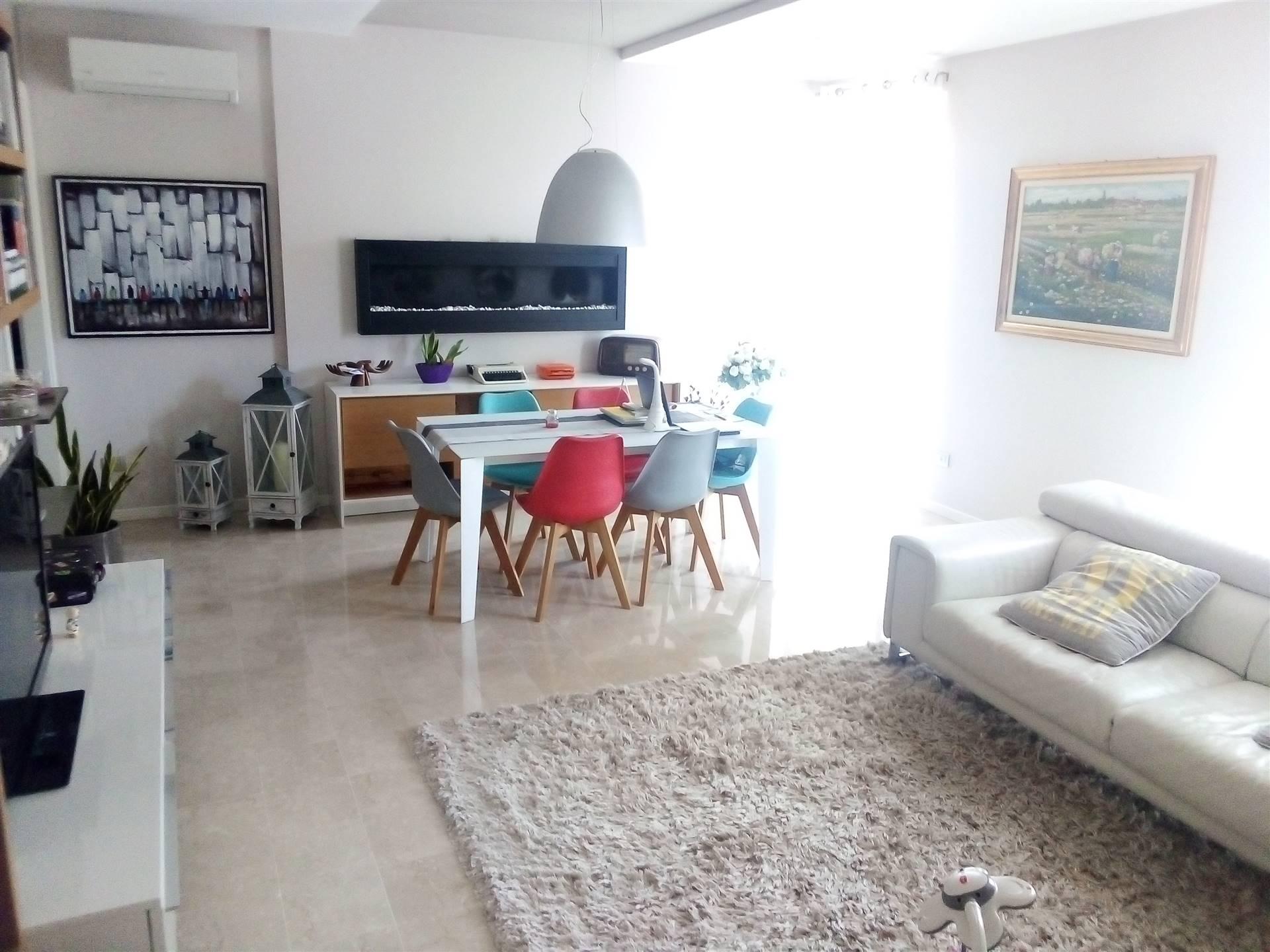 Appartamento in vendita a Caravaggio, 3 locali, prezzo € 235.000 | CambioCasa.it