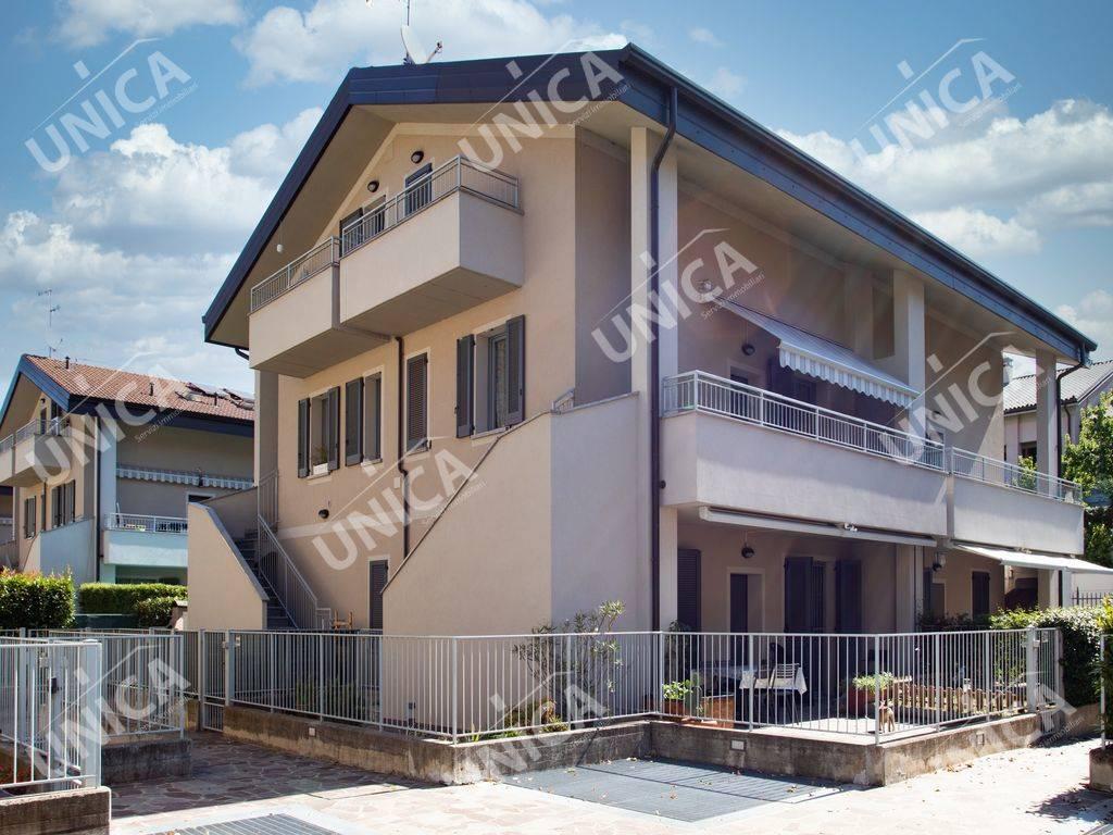 Appartamento in vendita a Vaprio d'Adda, 3 locali, prezzo € 175.000 | PortaleAgenzieImmobiliari.it