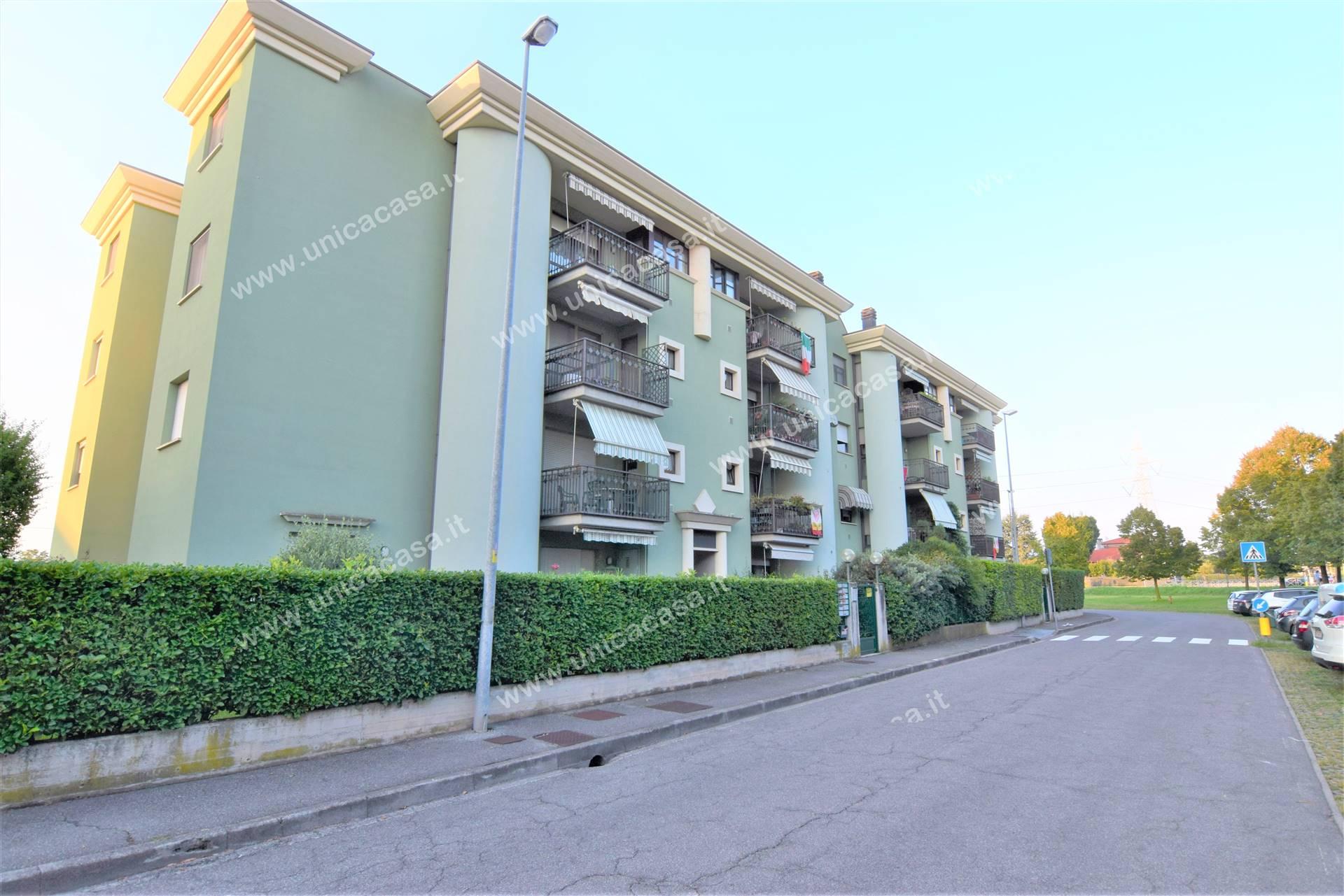 Appartamento in vendita a Zanica, 4 locali, prezzo € 150.000 | PortaleAgenzieImmobiliari.it