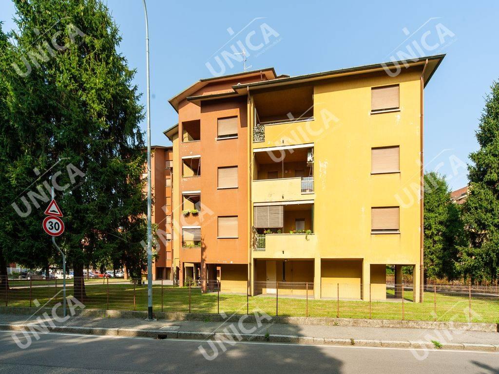 Appartamento in vendita a Cavenago di Brianza, 3 locali, prezzo € 115.000 | CambioCasa.it