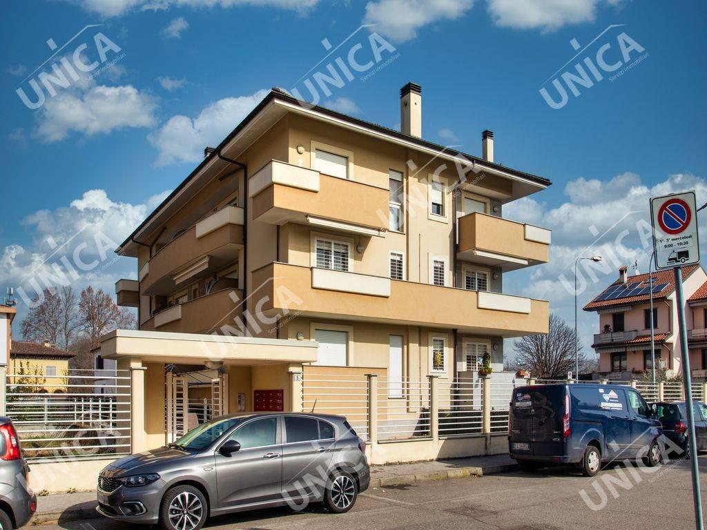 Appartamento in vendita a Pozzuolo Martesana, 3 locali, prezzo € 240.000 | CambioCasa.it