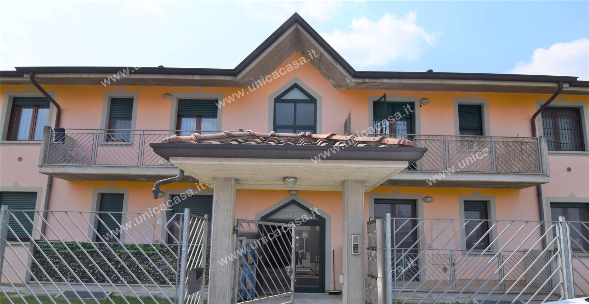 Appartamento in affitto a Lurano, 2 locali, prezzo € 450 | CambioCasa.it