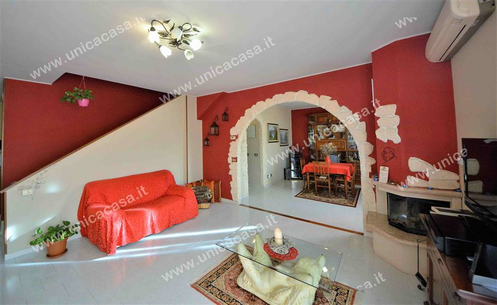 Appartamento in vendita a Fara Gera d'Adda, 5 locali, prezzo € 159.000 | PortaleAgenzieImmobiliari.it
