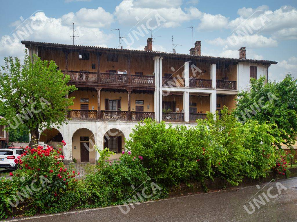 Appartamento in vendita a Gessate, 3 locali, prezzo € 125.000 | CambioCasa.it