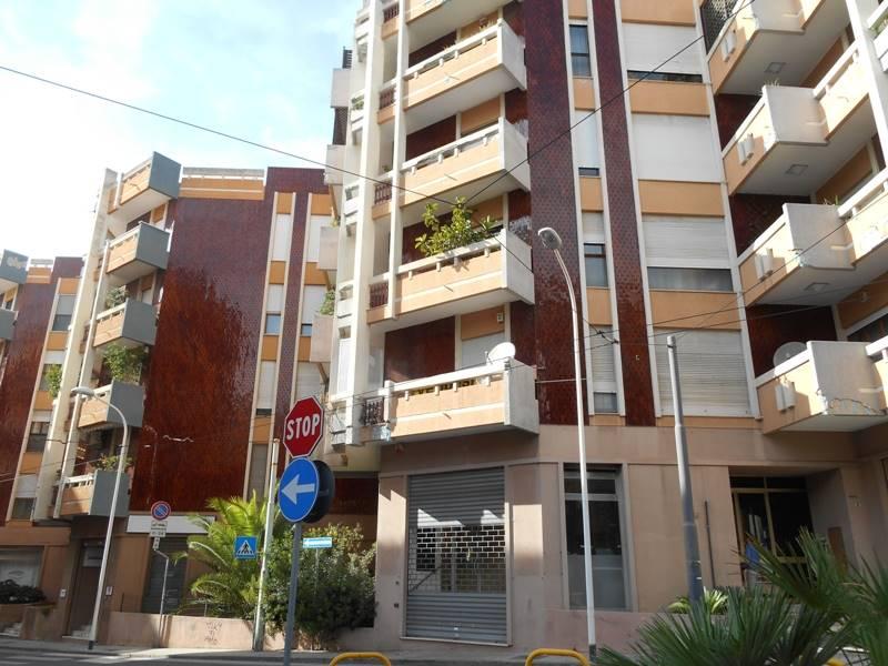 Negozio / Locale in affitto a Cagliari, 1 locali, zona Località: MERELLO PUNICI, prezzo € 1.800   CambioCasa.it