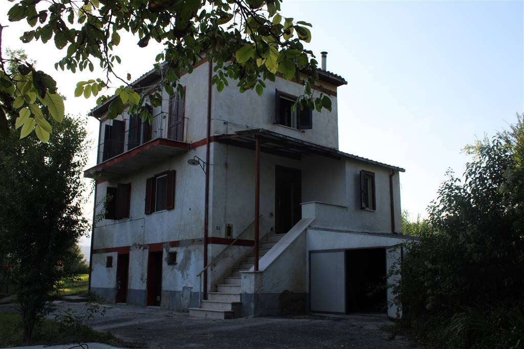 Apartment in MONTORIO AL VOMANO