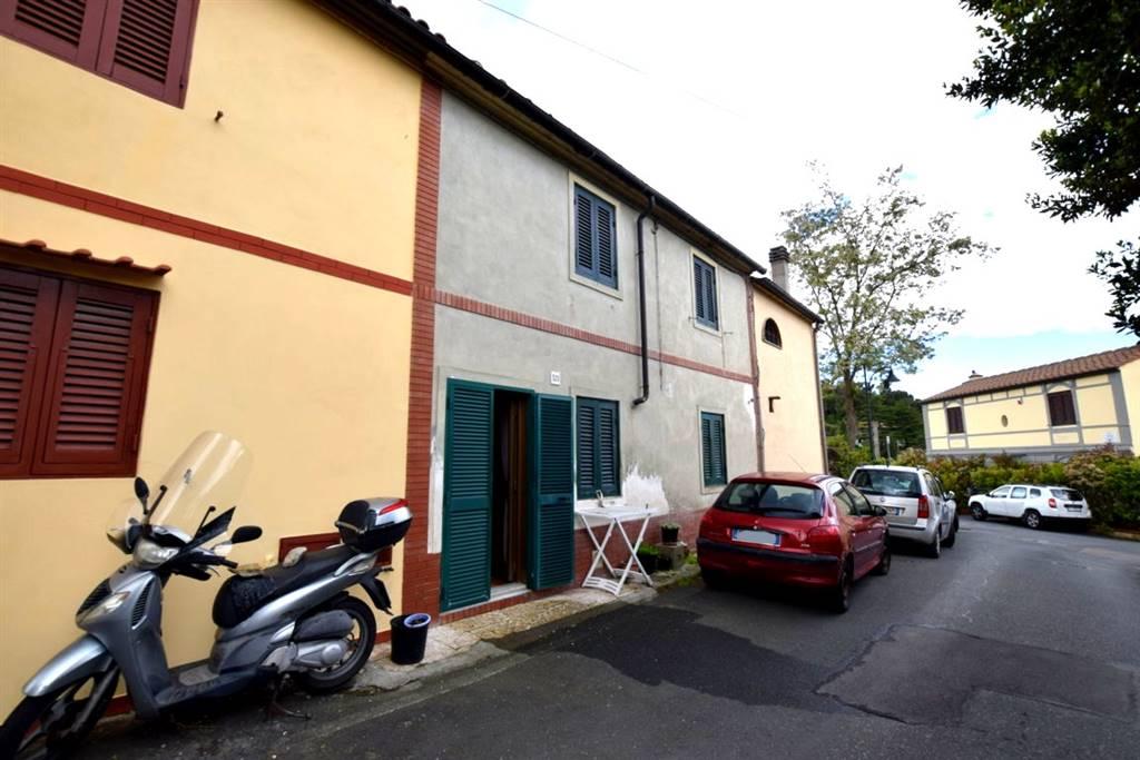 Trilocale, Livorno, da ristrutturare