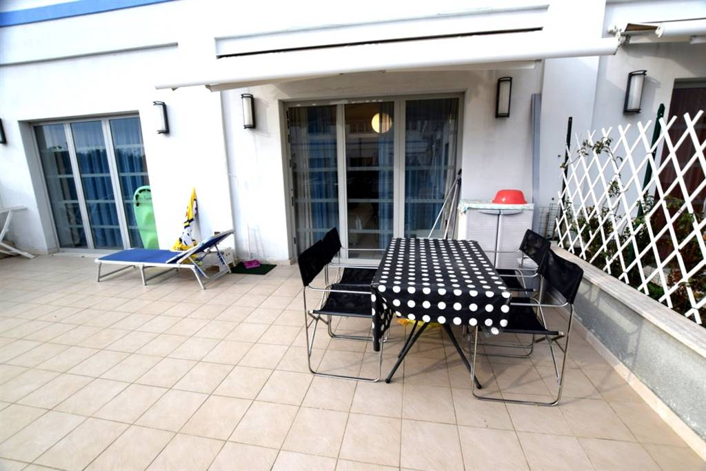 Appartamento CALAMBRONE € 160.000