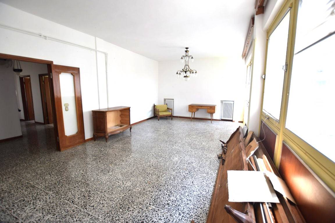 Appartamento CALZABIGI, MAMELI € 150.000