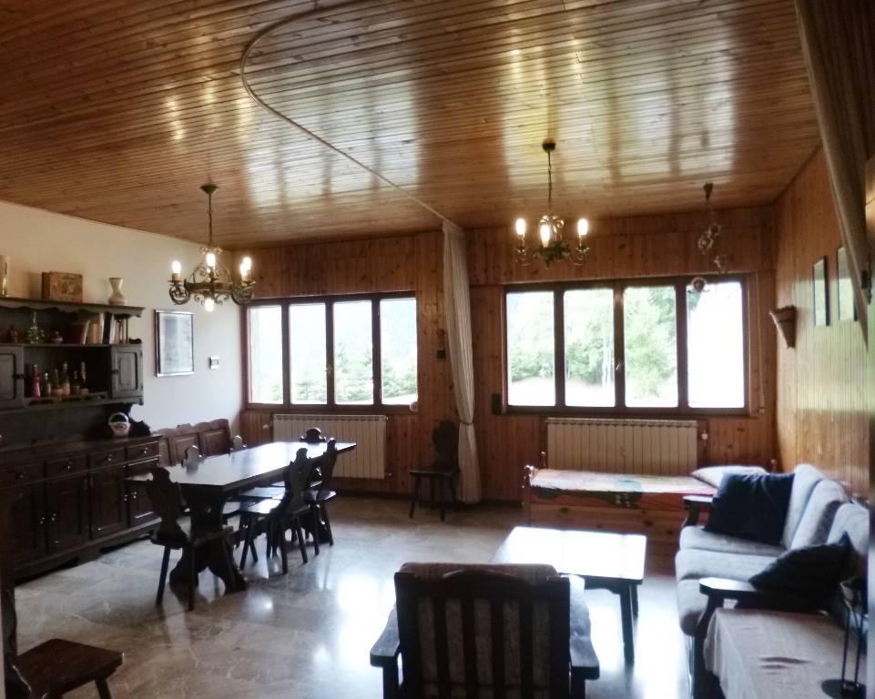 Appartamento in vendita a Foppolo, 3 locali, prezzo € 69.000 | CambioCasa.it