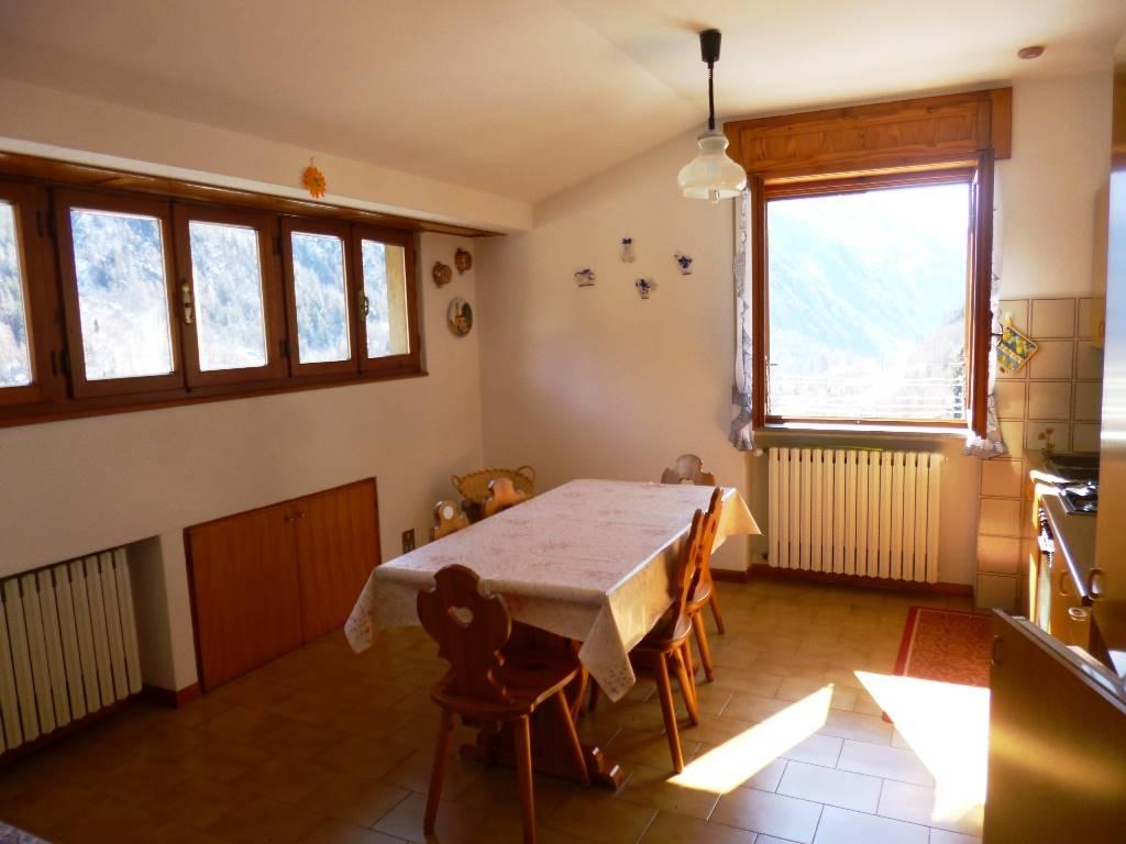 Appartamento in affitto a Branzi, 2 locali, zona Zona: Ripe, prezzo € 2.800 | CambioCasa.it