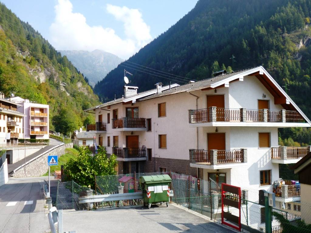 Appartamento in vendita a Branzi, 5 locali, prezzo € 135.000 | CambioCasa.it