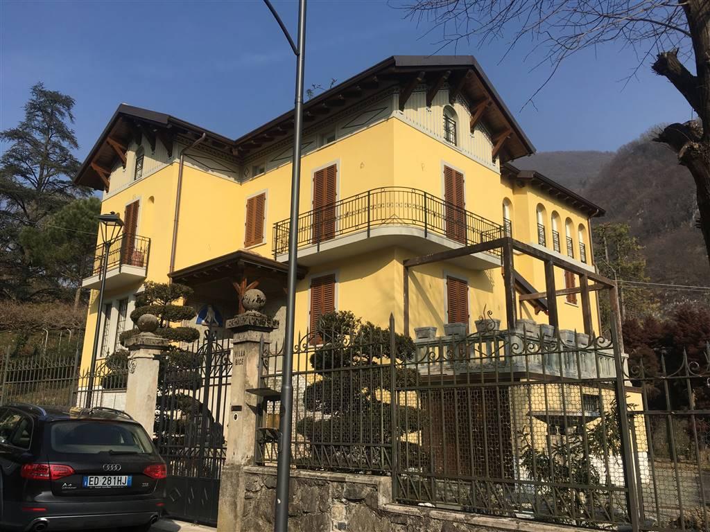 Villa in vendita a San Pellegrino Terme, 16 locali, prezzo € 980.000 | PortaleAgenzieImmobiliari.it