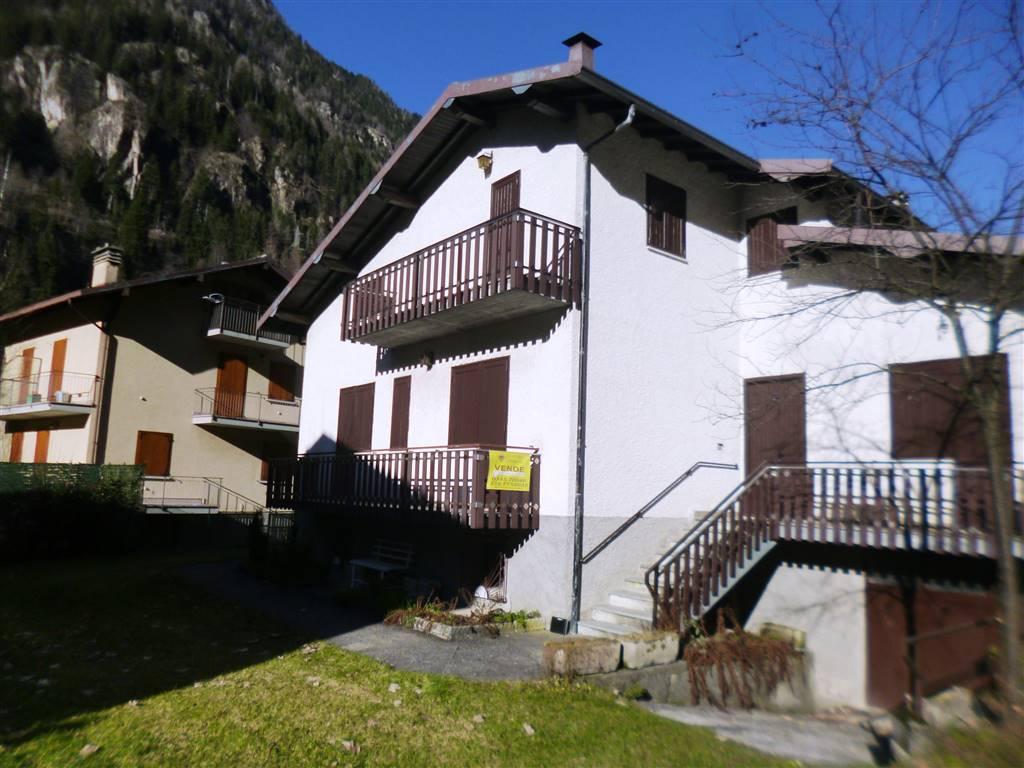 Appartamento in vendita a Branzi, 2 locali, zona Zona: Gardata, prezzo € 56.000   CambioCasa.it