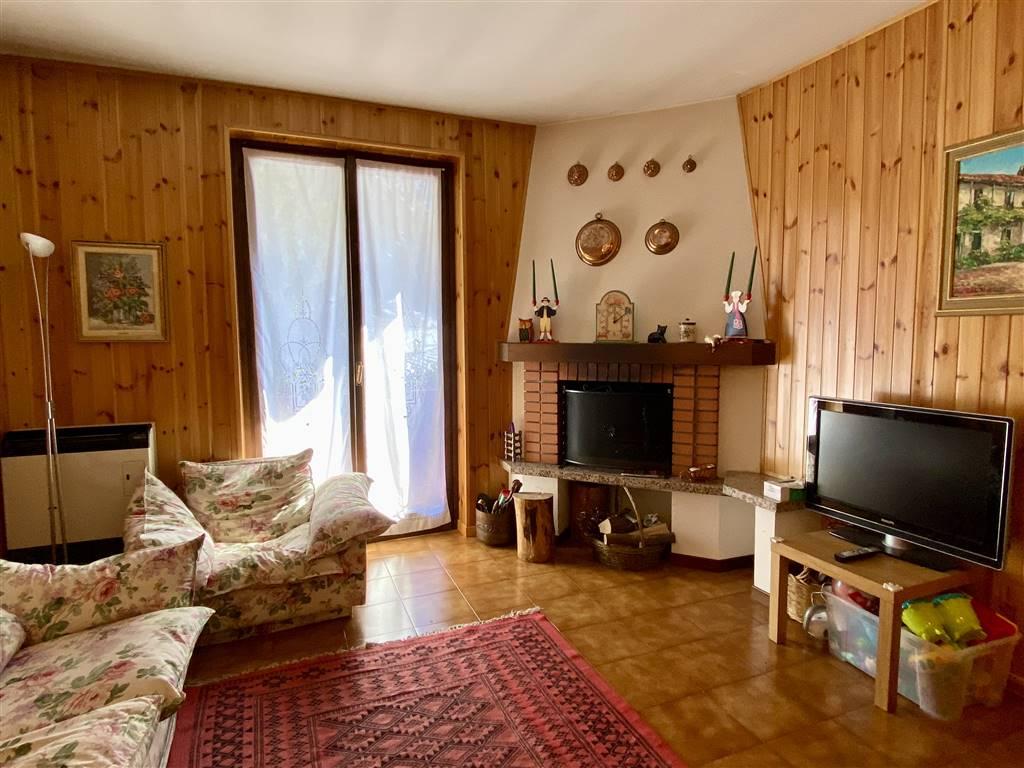 Appartamento in vendita a Branzi, 3 locali, prezzo € 85.000 | CambioCasa.it