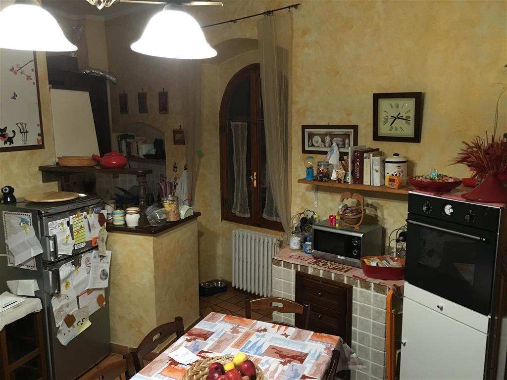 Appartamento in vendita a Tavarnelle Val di Pesa, 5 locali, zona uca, prezzo € 150.000   PortaleAgenzieImmobiliari.it