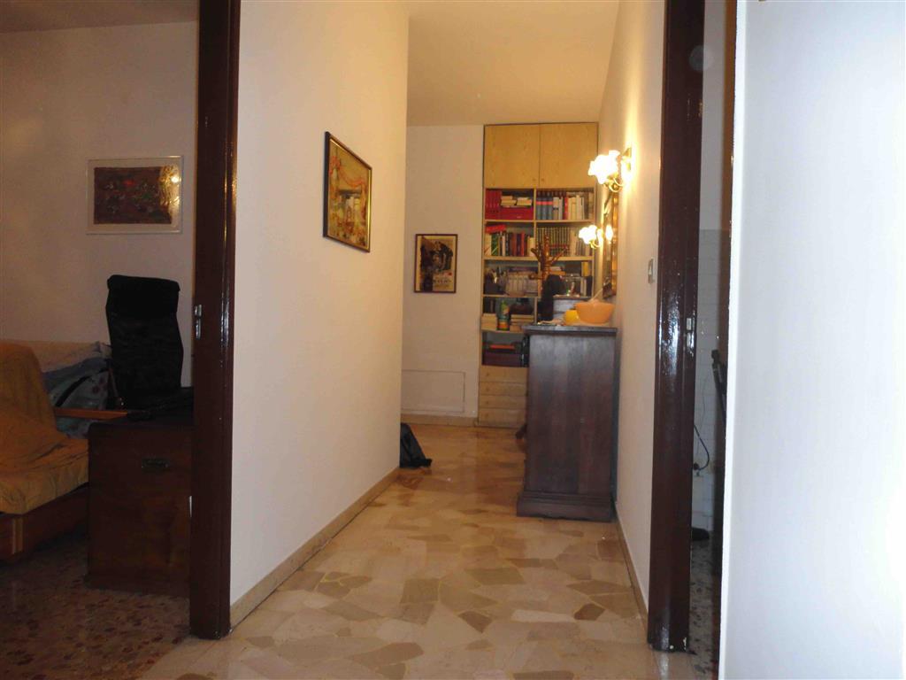 Appartamento in vendita a Scandicci, 4 locali, zona Zona: Casellina, prezzo € 230.000 | CambioCasa.it