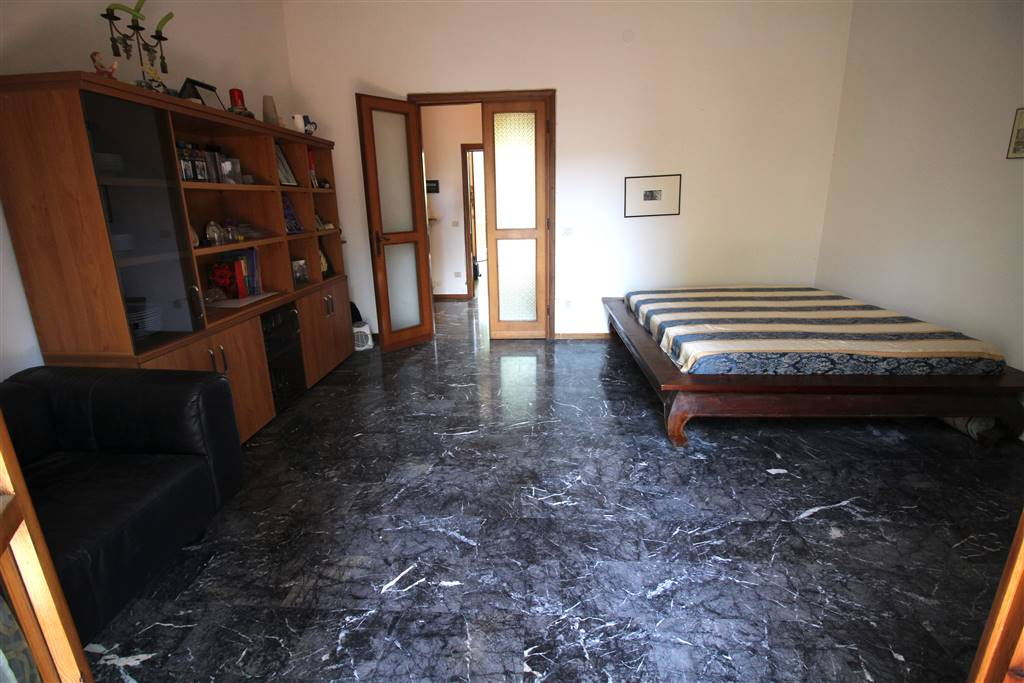 Appartamento in vendita a Scandicci, 4 locali, zona Località: CENTRO, prezzo € 330.000 | CambioCasa.it