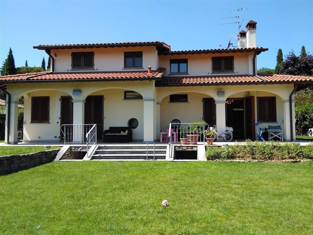Villa in vendita a Rignano sull'Arno, 14 locali, zona Zona: Bombone, prezzo € 750.000 | CambioCasa.it