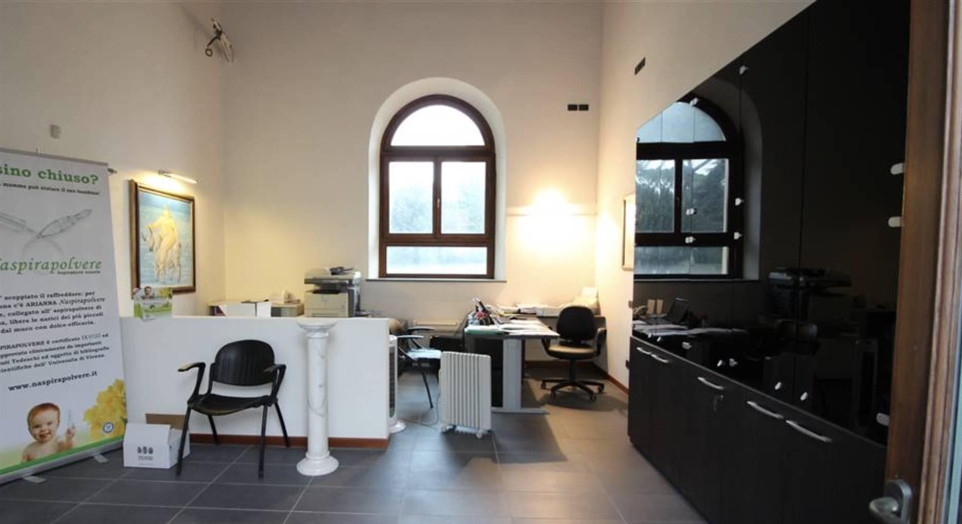 Ufficio / Studio in vendita a Scandicci, 2 locali, zona Località: CENTRO, prezzo € 190.000   CambioCasa.it