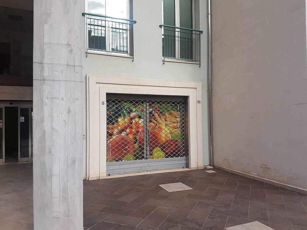 Locale commerciale, Santa Rosa, Lecce, in nuova costruzione