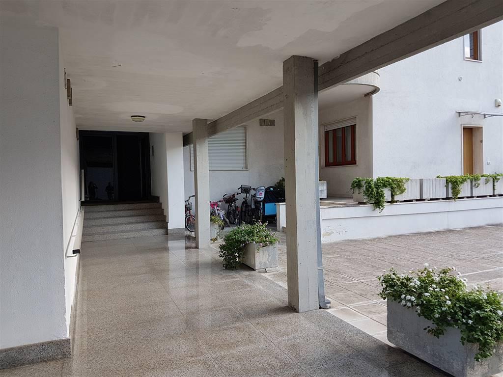 Appartamento, P. Partigiani, Lecce