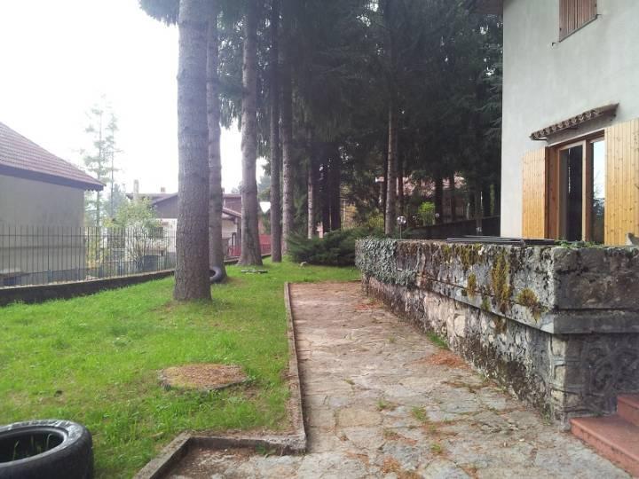 Villa in vendita a Bagnoli Irpino, 6 locali, zona Zona: Laceno, Trattative riservate | CambioCasa.it