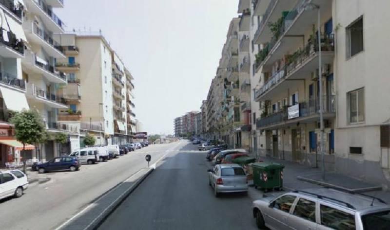 Locale commerciale in Via Parmenide, Mercatello, Salerno