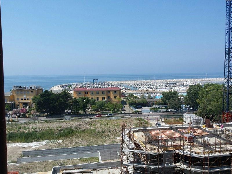 Quadrilocale in Via Allende, Stadio, Salerno