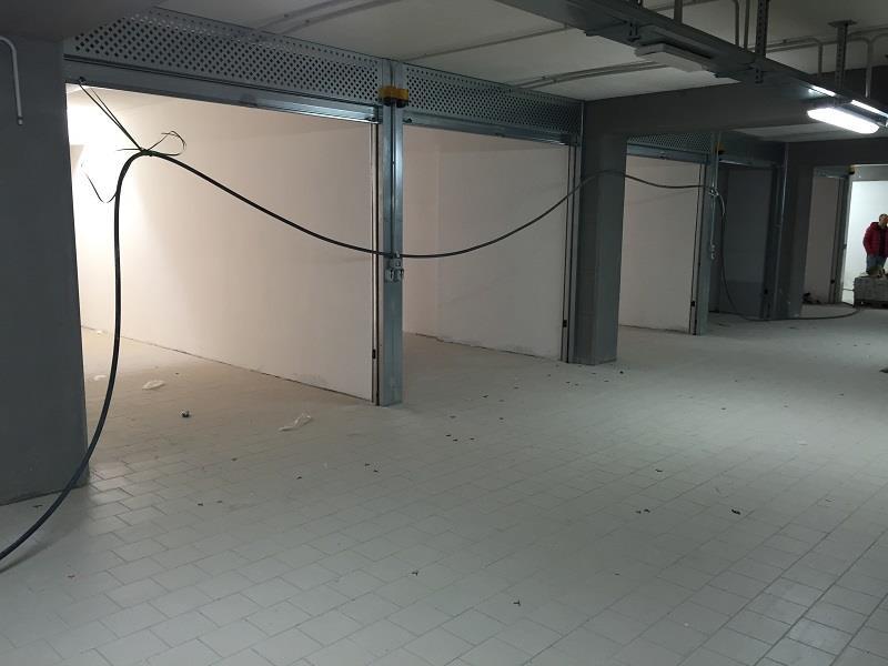 Garage / Posto auto in Via Allende, Stadio, Salerno