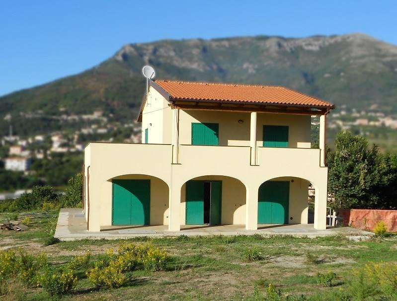 Villa in Via Brignano, Brignano, Salerno