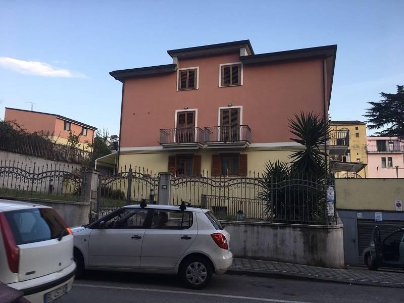Trilocale in Via Pomponio Leto, Fratte, Salerno