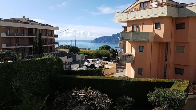 Quadrilocale in Via Casa Manzo, Ginestre , Sala Abbagnano , Panoramica , Casa Manzo, Salerno