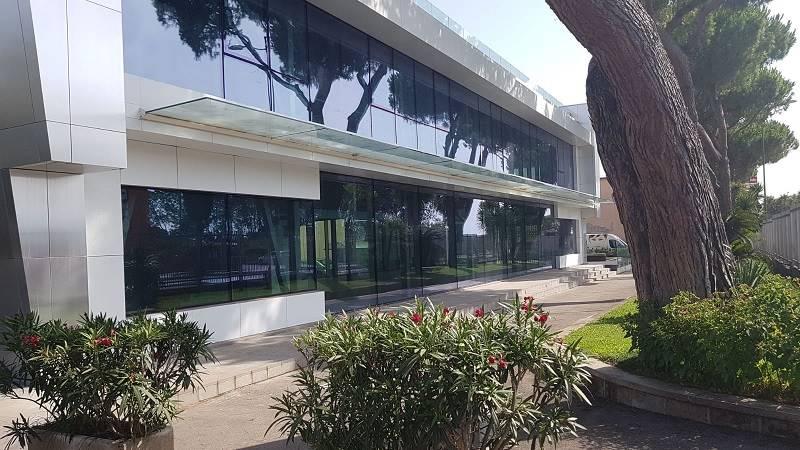 Locale commerciale in Via Acquasanta, Stadio, Salerno