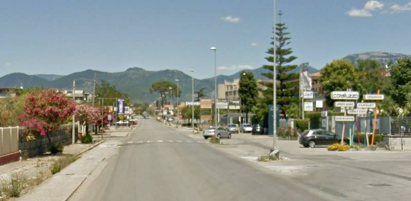 Immobile Commerciale in affitto a Bellizzi, 9999 locali, Trattative riservate | CambioCasa.it