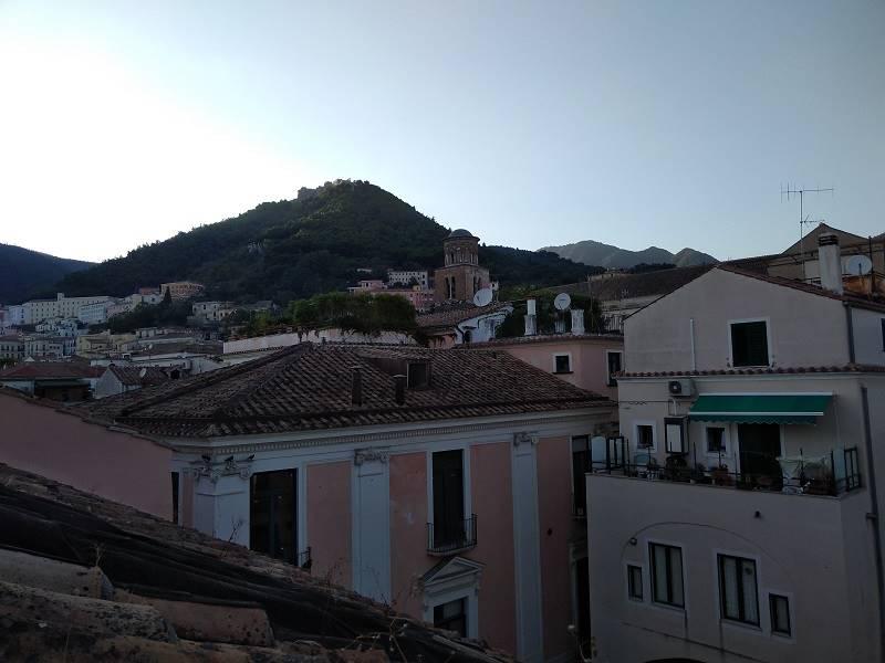 Quadrilocale in Via Mercanti, Centro Storico, Salerno