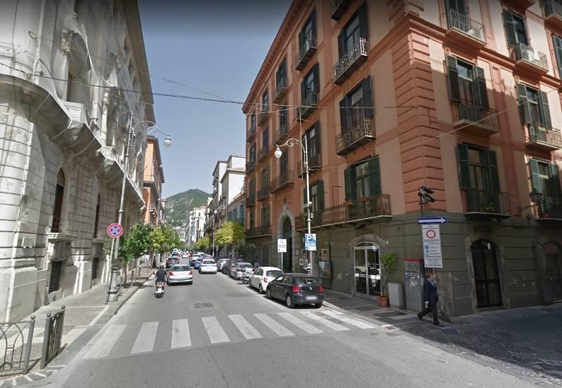 Trilocale, Centro, Salerno, ristrutturato