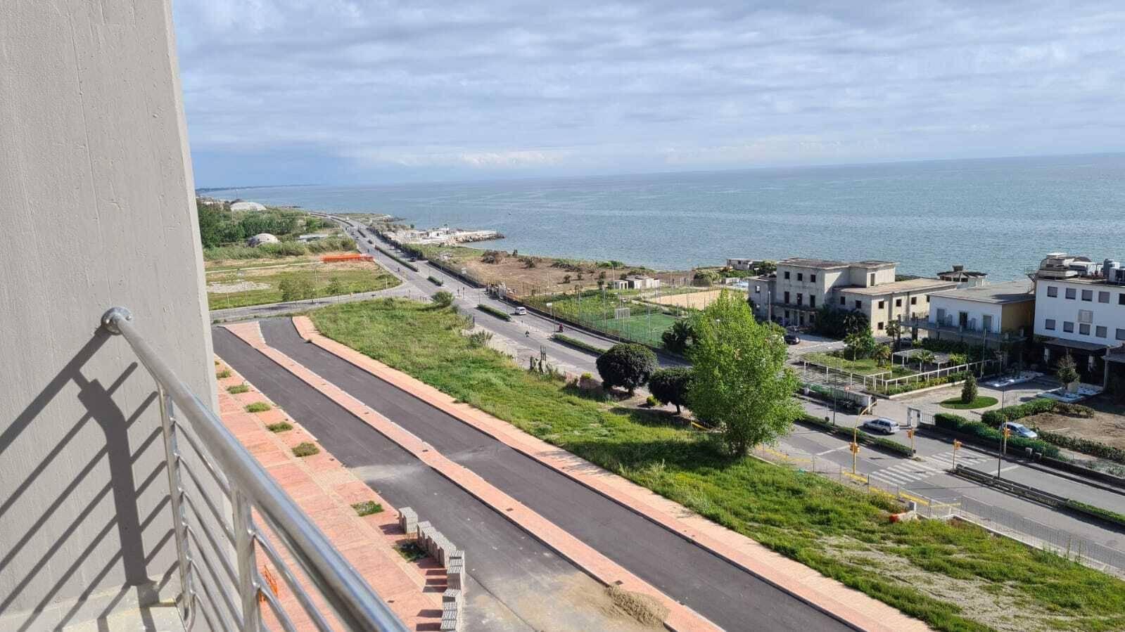 Appartamento in vendita a Salerno, 3 locali, zona Località: SAN LEONARDO / ARECHI / MIGLIARO, prezzo € 410.000 | PortaleAgenzieImmobiliari.it