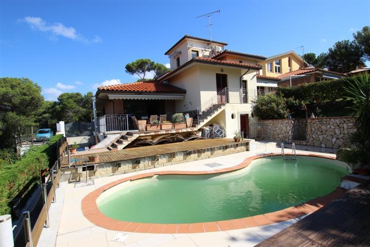 Villa, Quercianella, Livorno, in ottime condizioni