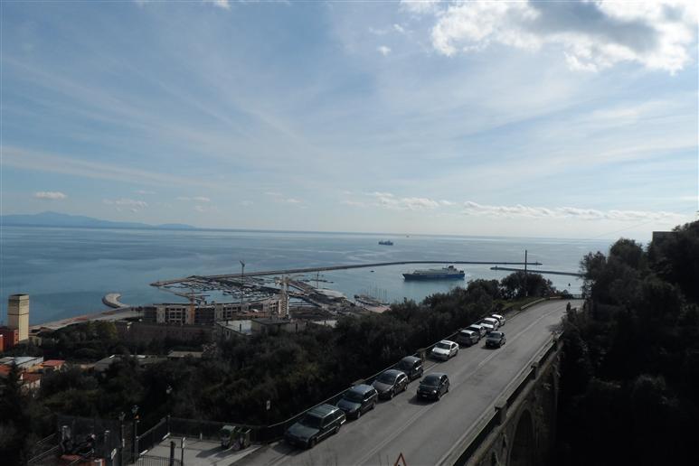 Trilocale in Via Giuseppe Paesano 43, Canalone, Salerno