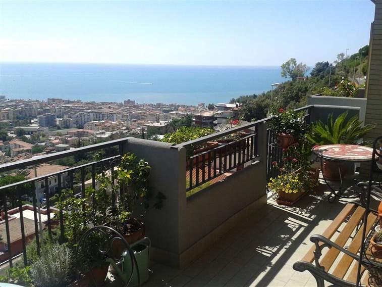 Appartamento in Viale Degli Eucalipti, Ginestre , Sala Abbagnano , Panoramica , Casa Manzo, Salerno