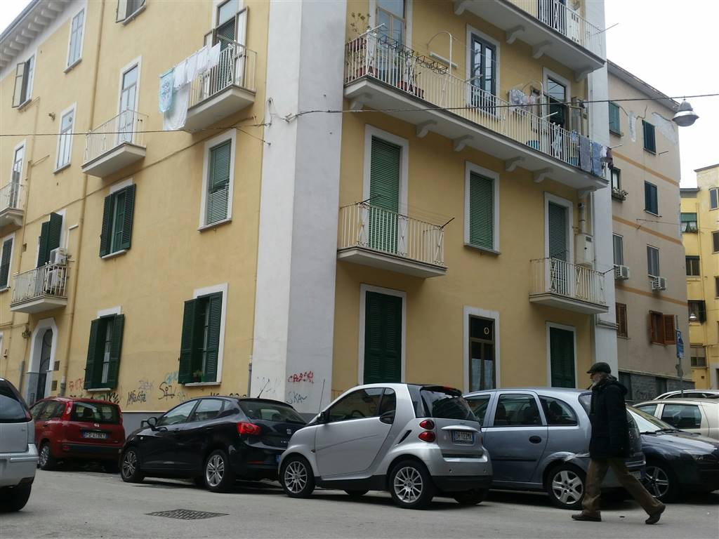 Garage / Posto auto in Via Fuso, Centro, Salerno