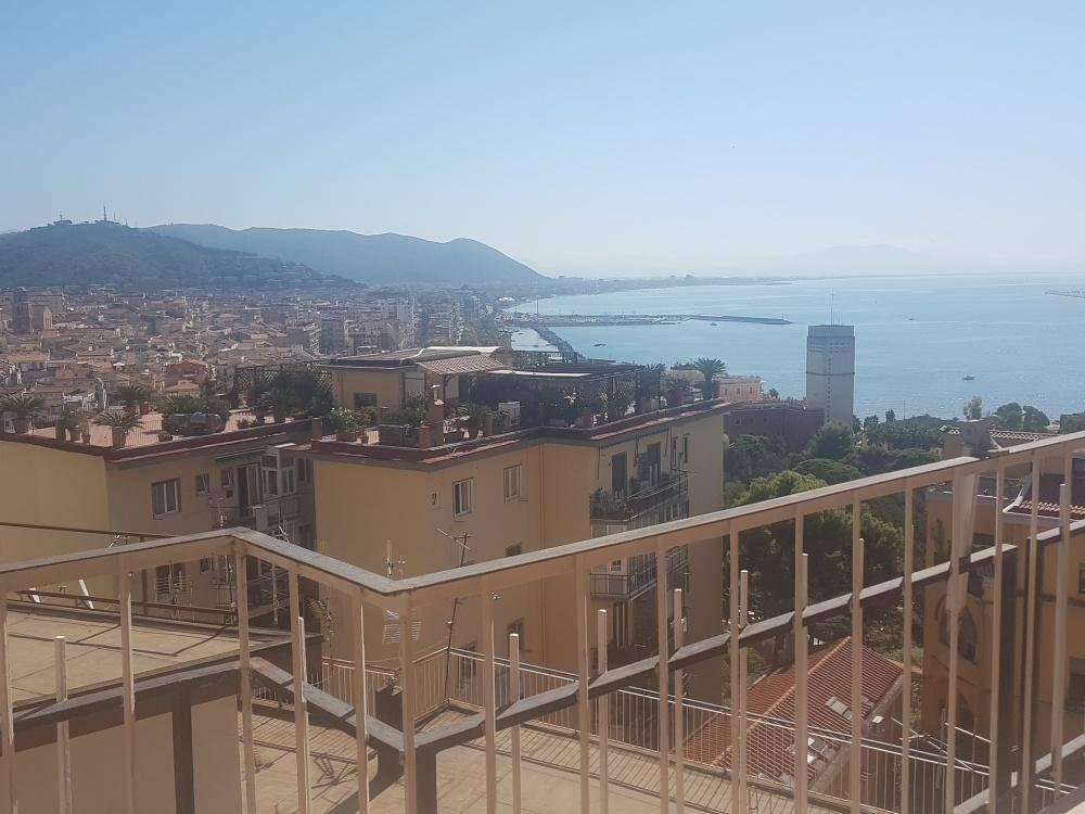 Appartamento in Via Monti, Centro Storico, Salerno