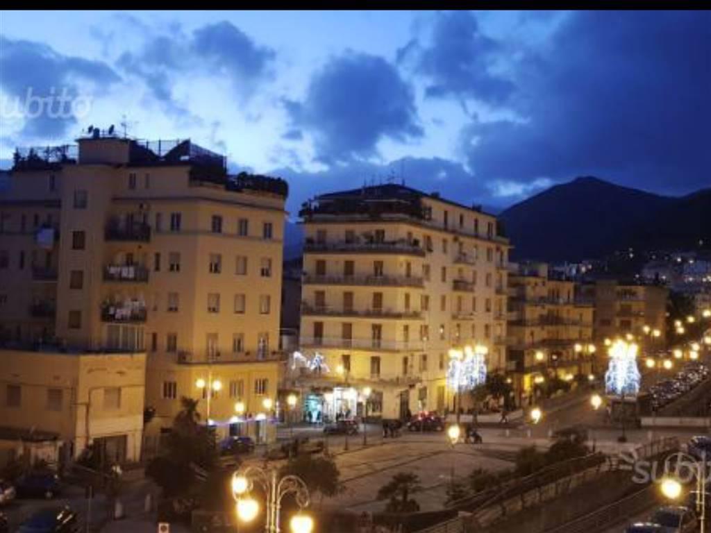 Appartamento in Via Pietro Da Eboli, Centro, Salerno
