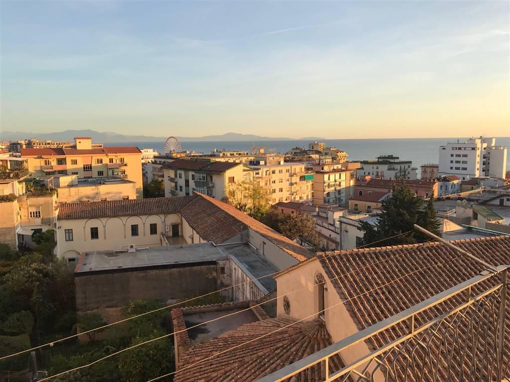 Appartamento in Via G. Da Ravenna, Centro, Salerno
